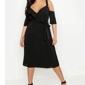 NWT plus size Cold shoulder ruffle midi dress